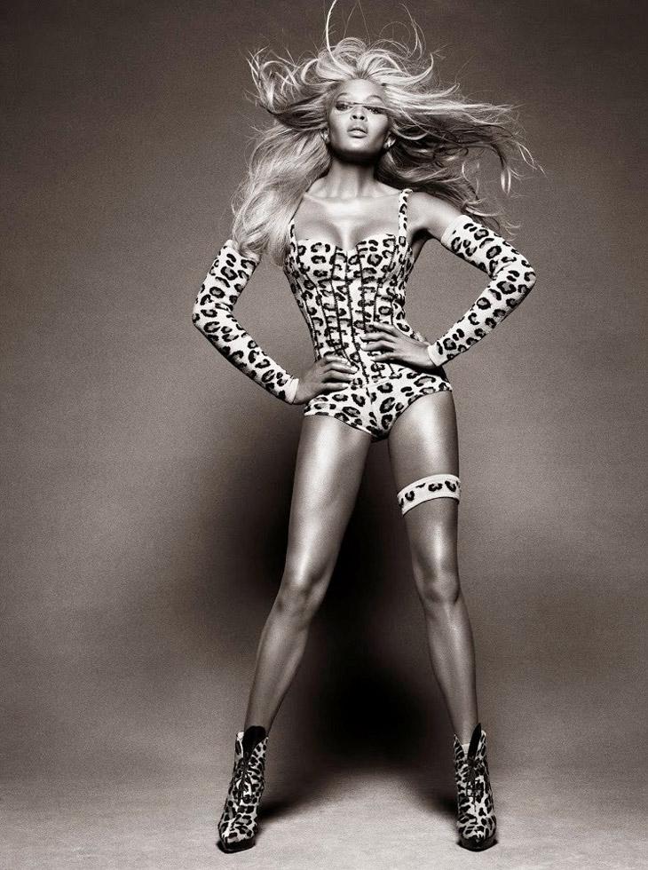 Naomi-Campbell-Vogue-Brazil-May-2013-04