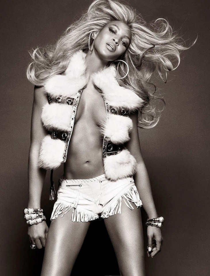 Naomi-Campbell-Vogue-Brazil-May-2013-09