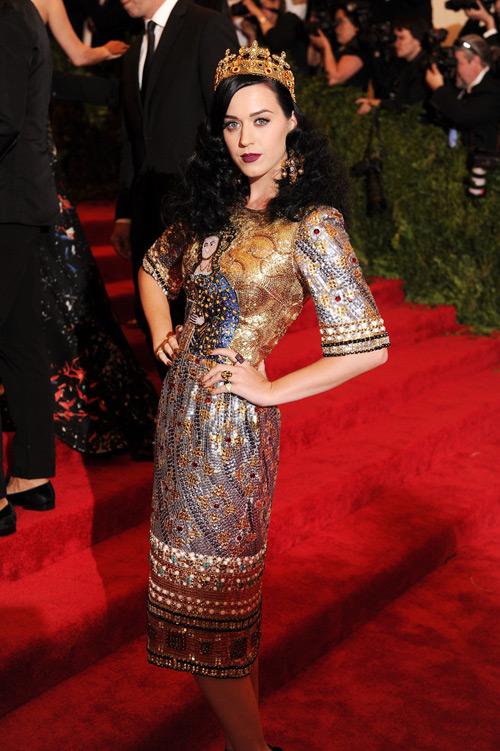 Katy Perry, numa criação de Dolce & Gabbana