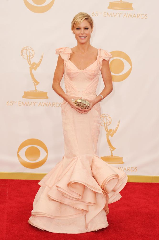 Julie Bowen em Zac Posen