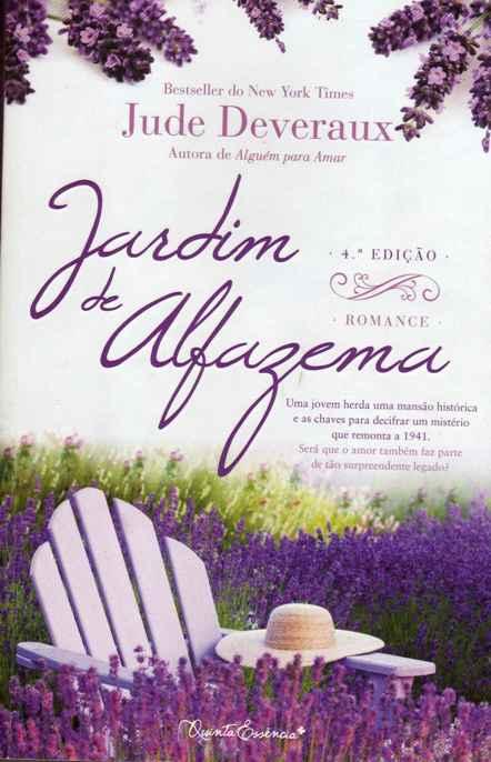 Jardim de Alfazema rtro na mesa de cabeceira