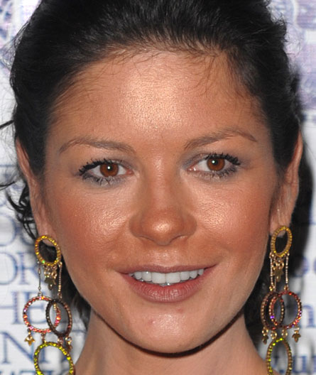 Catherine-Zeta-Jones-bad-bronzer