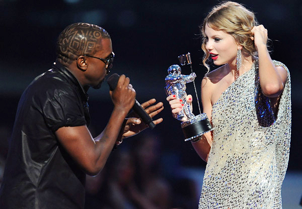 kanye-ambushes-taylor-swift