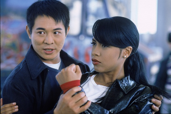 UNSPECIFIED - DECEMBER 31:  Medium shot of Jet Li as Han Sing holding wrist of Aaliyah as Trish O'Day.  (Photo by Warner Bros./Getty Images)