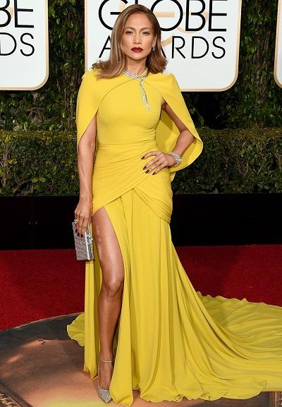 Jennifer Lopez em Giambattista Valli