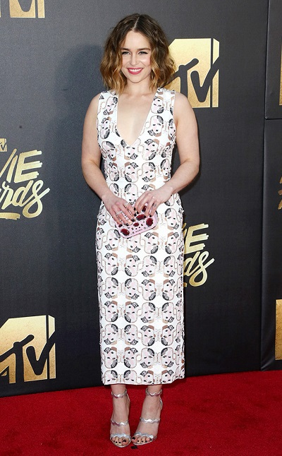 Emilia Clarke em Miu Miu
